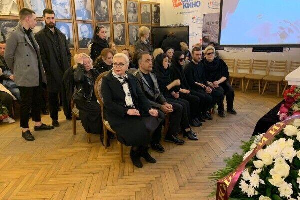 """У Москві попрощалися з померлою зіркою """"Кадетства"""": фото"""