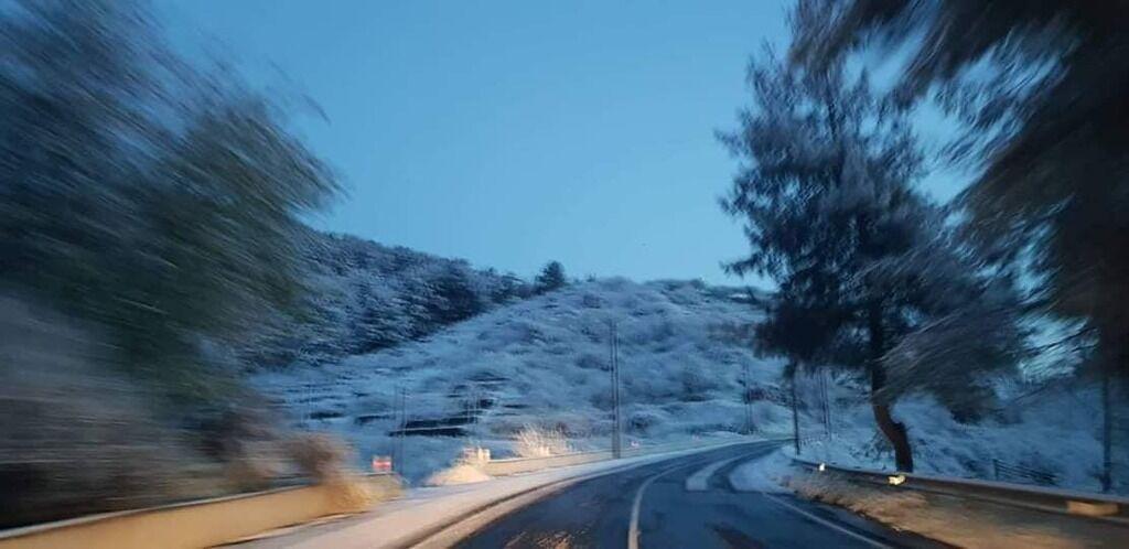 Популярний курорт засипало снігом: фото аномалії
