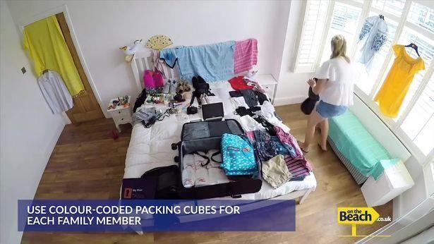 Жінка придумала геніальний спосіб упаковувати речі у валізу
