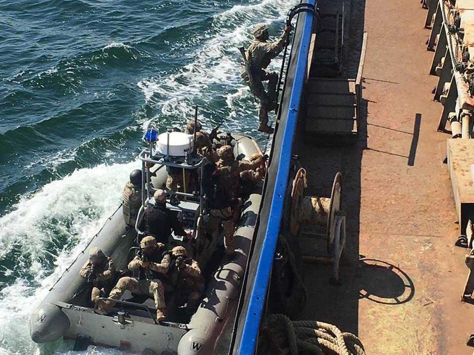 Украинские военные захватили морское судно