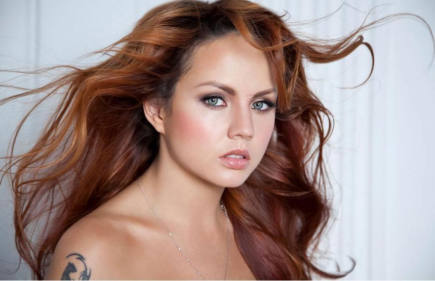 Популярна російська співачка потрапила в моторошну ДТП