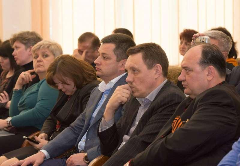 Владимир Струк (крайний справа)