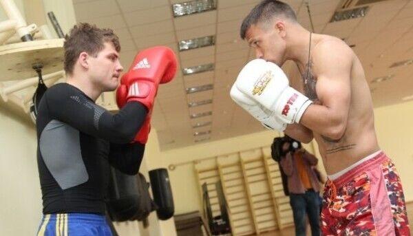 Берінчик проти Ломаченка під час тренування