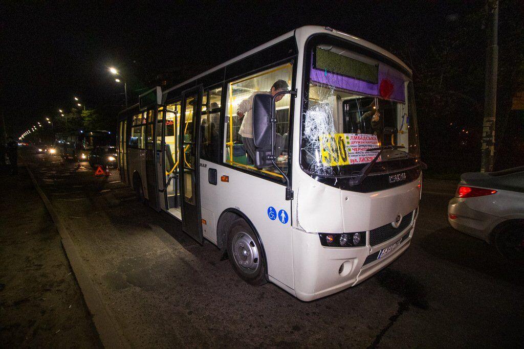 Маршрутка сбила пешехода в Киеве