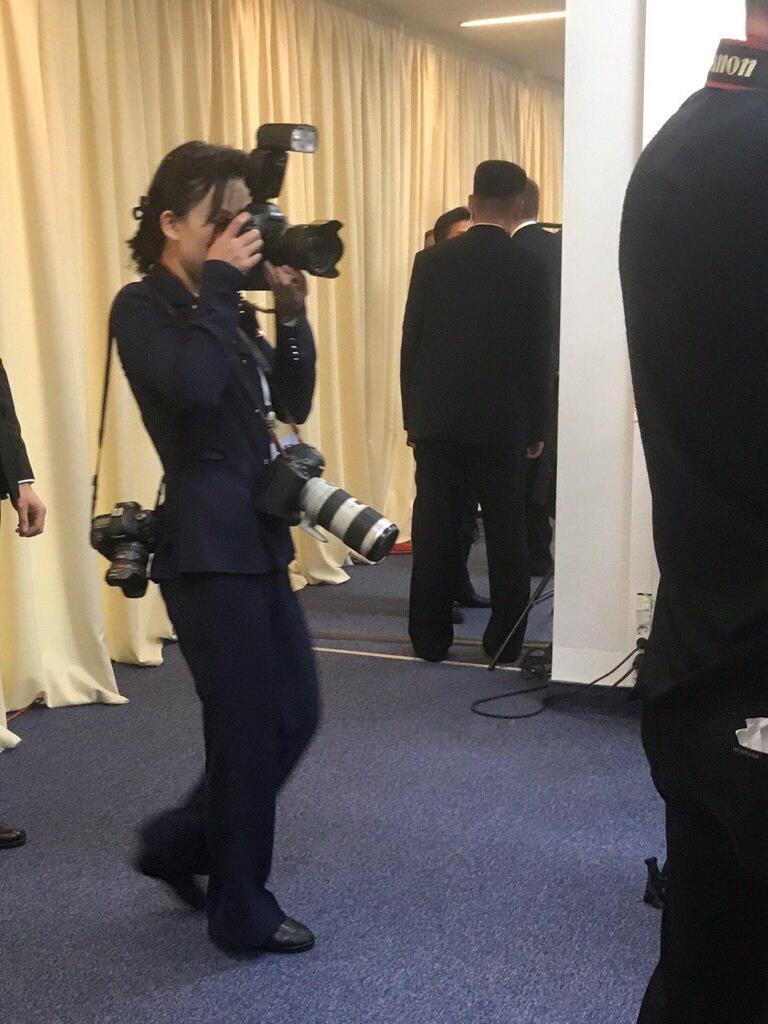 Один із особистих фотографів Кім Чен Ина