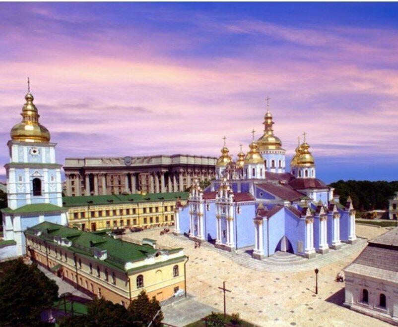 Свято-Михайлівський Золотоверхий чоловічий монастир