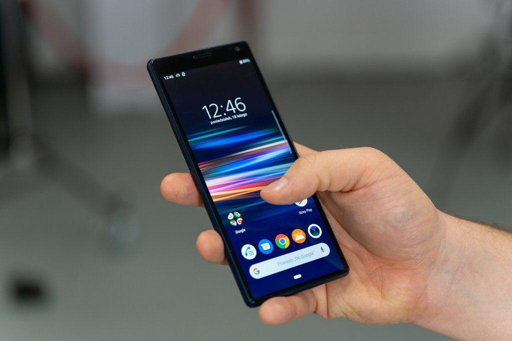 Безрамочное чудо от Sony: как смартфон Xperia 10 меня покорил