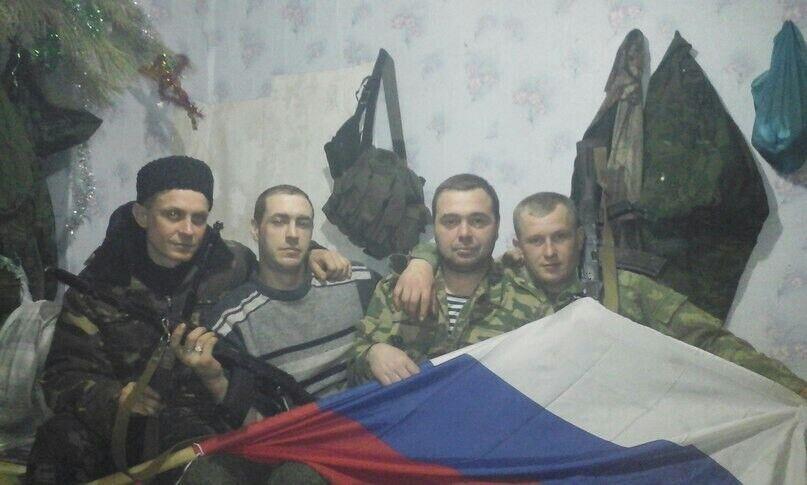 Олег Руденко (другий зліва)