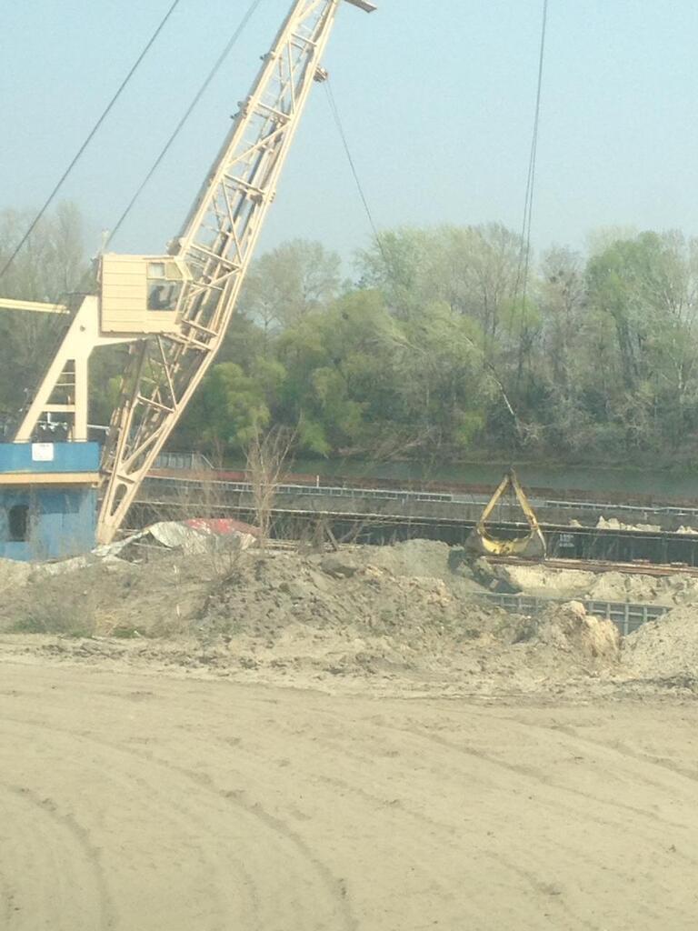 Під Києвом виявили незаконний пункт видобутку піску