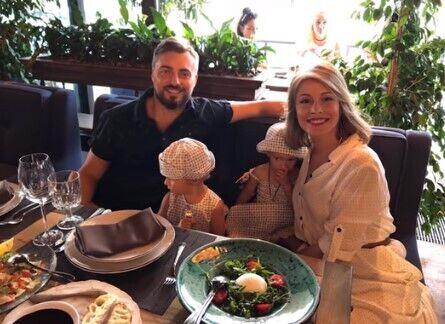 Елена Кравец с семьей