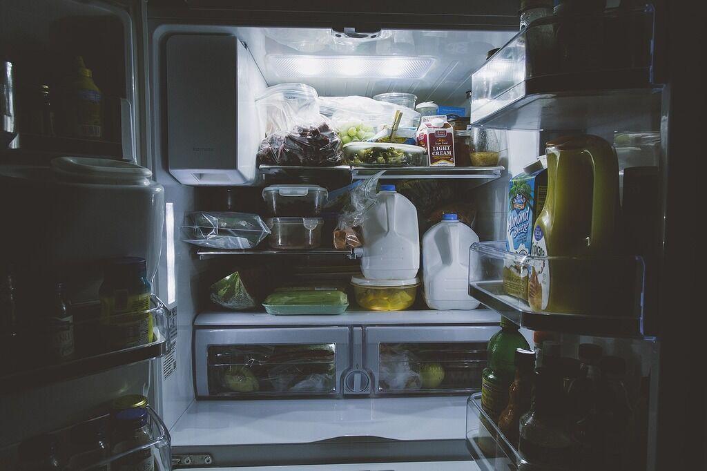 Как узнать, какую еду можно есть по истечении срока годности