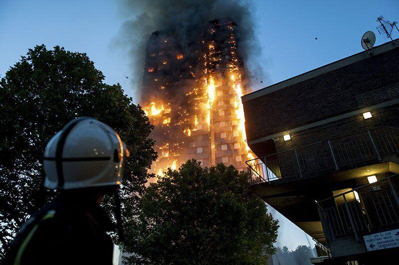 В Лондоне сгорела высотка