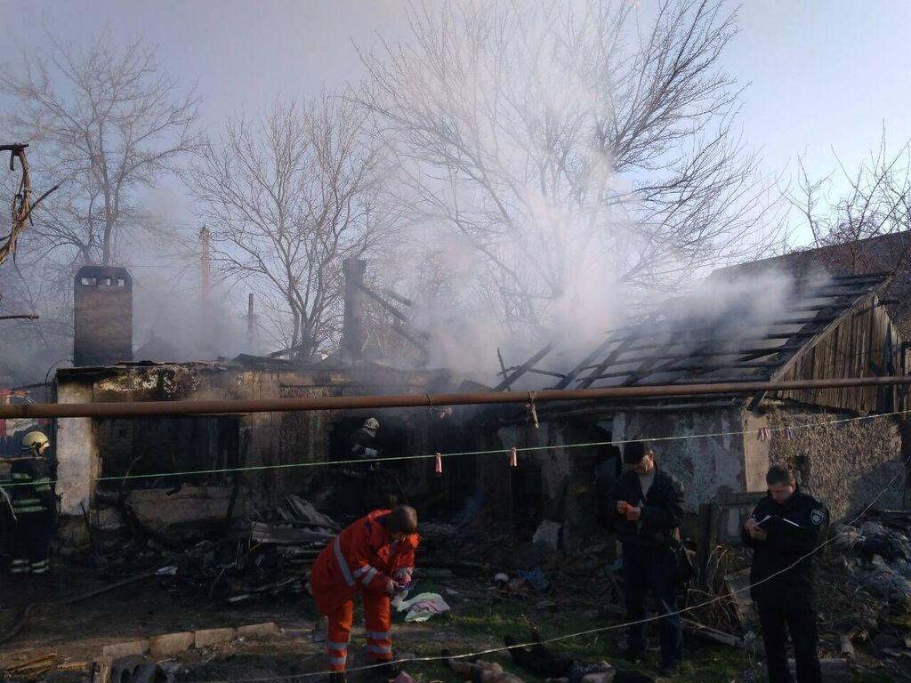 На Днепропетровщине живьем сгорели маленькие дети. 18+
