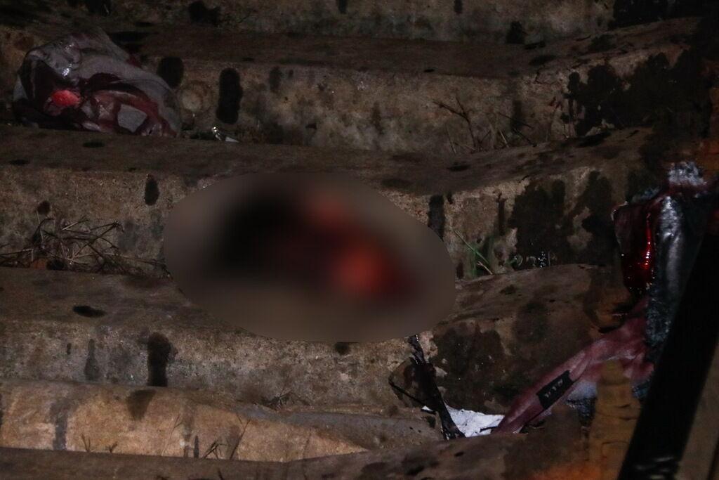 В Киеве нашли два трупа, один — без головы. Фото 18+