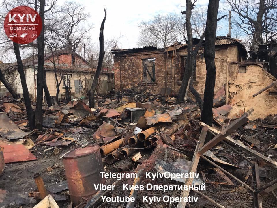 В Киеве произошел масштабный пожар