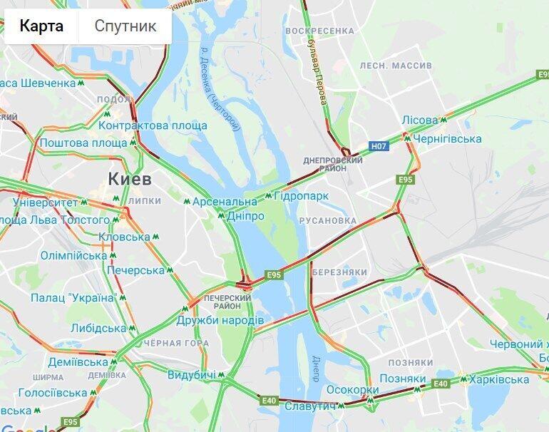 Київ скували багатокілометрові затори: мапа ремонту доріг і