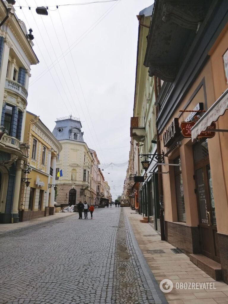 Появились завораживающие фото весенних Черновцов