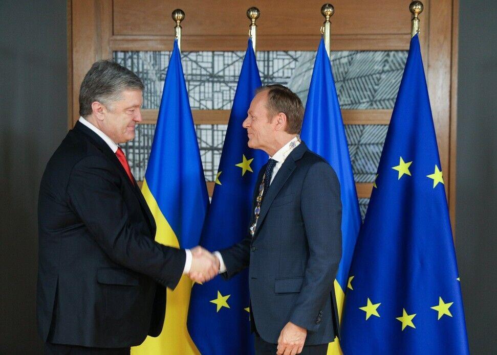 Порошенко присвоил Туску и Юнкеру государственные награды