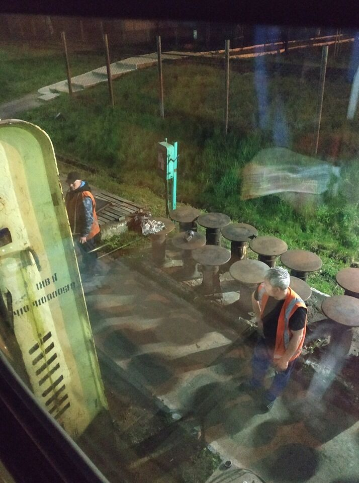 """""""Плакала і молилася"""": пасажири показали жахи європотягу """"Укрзалізниці"""". Фото"""