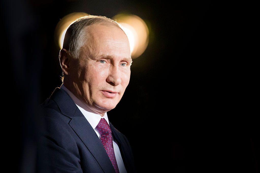Рейтинг Путина падает, этот год он не переживет