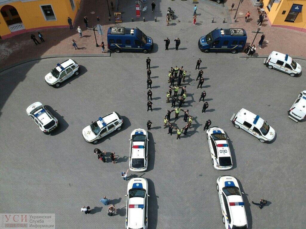 Флешмоб одесской полиции ко Дню вышиванки