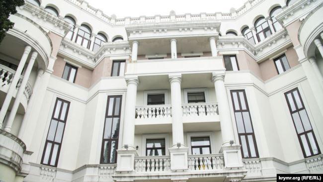 Появились фото и видео элитной недвижимости Зеленского в Крыму