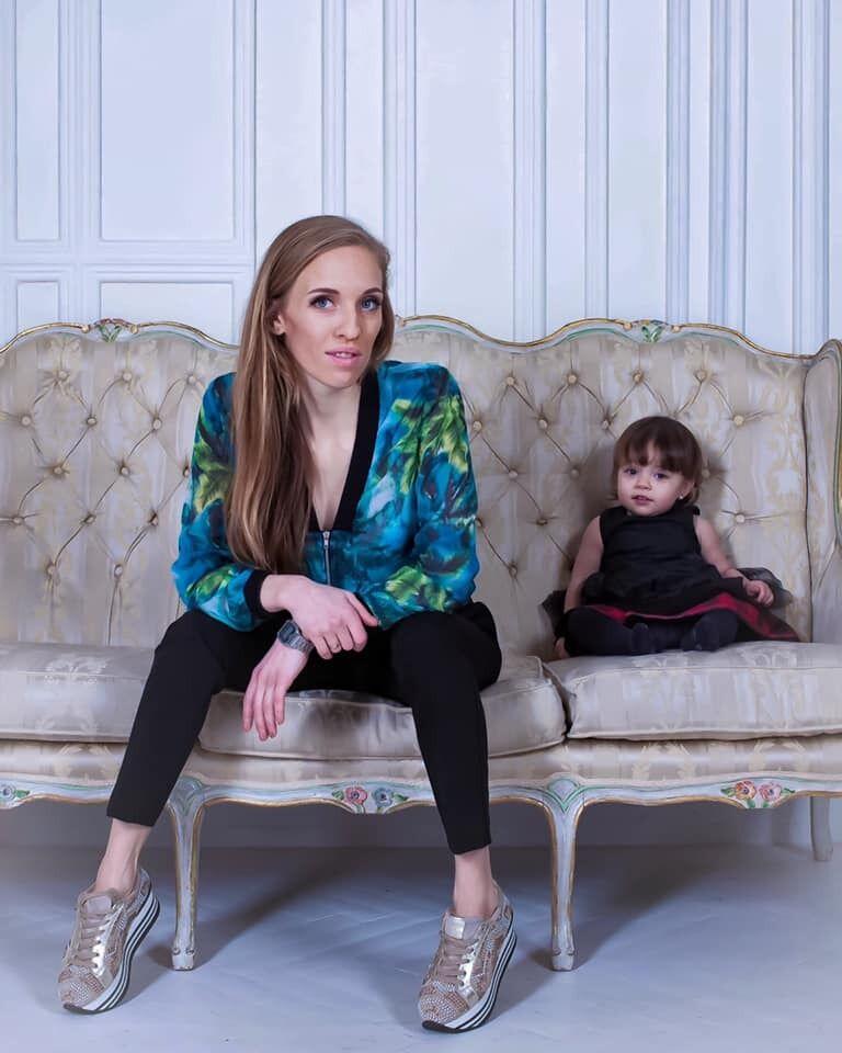 Аліна Асланова з дочкою