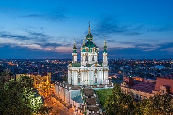 Картинки по запросу Андреевская церковь пастельных тонов, на вершине крутого холма