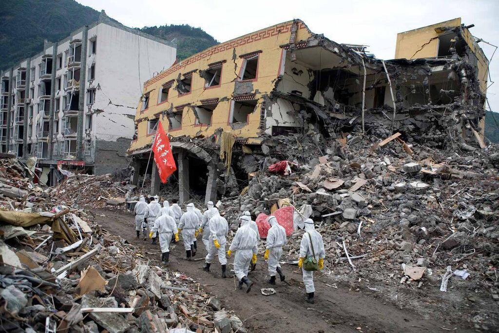 У Китаї стався потужний землетрус: 500 осіб у зоні лиха