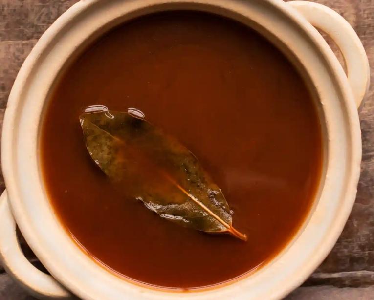 Як приготувати смачний овочевий суп: рецепт від відомого шеф-кухаря