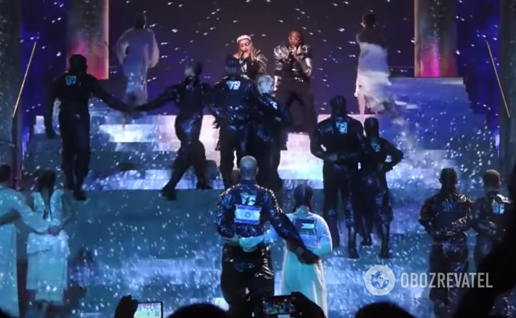 Прапори Ізраїлю і Палестини під час виступу Мадонни