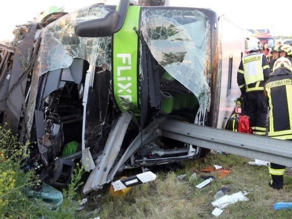 В Германии разбился автобус: есть жертвы, более 70 пострадавших