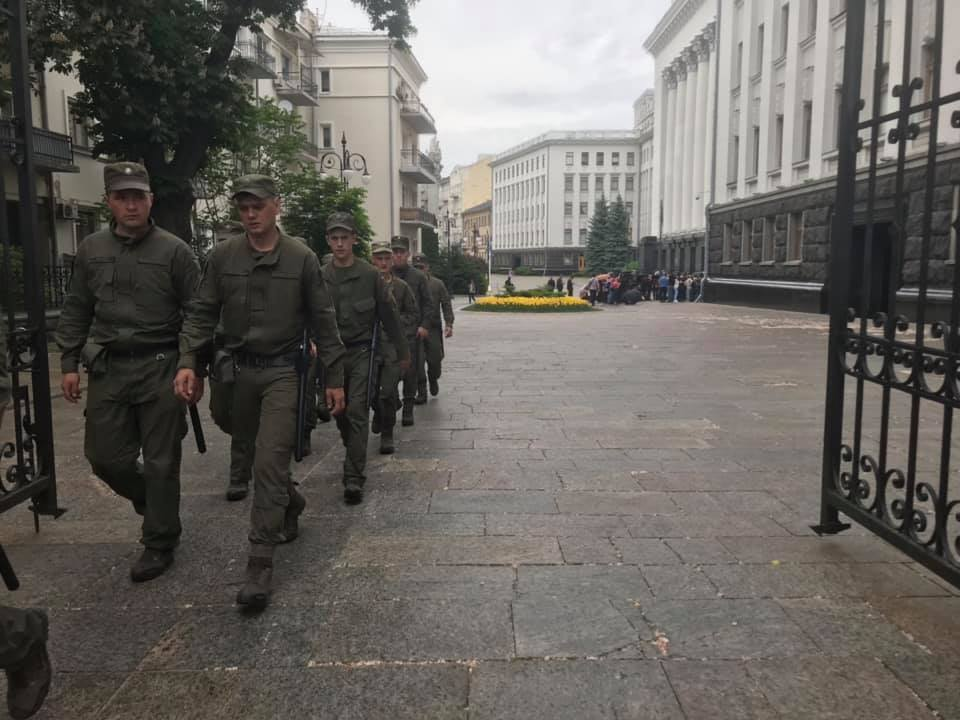 Зеленский провел переговоры с главами парламентских фракций: все подробности