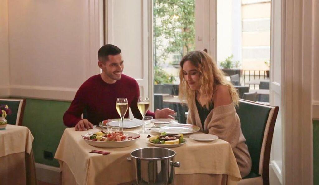 Микита та Даша у ресторані
