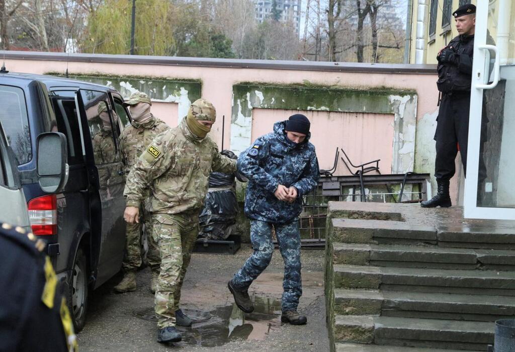 Российского людоеда пригласили к праздничному столу