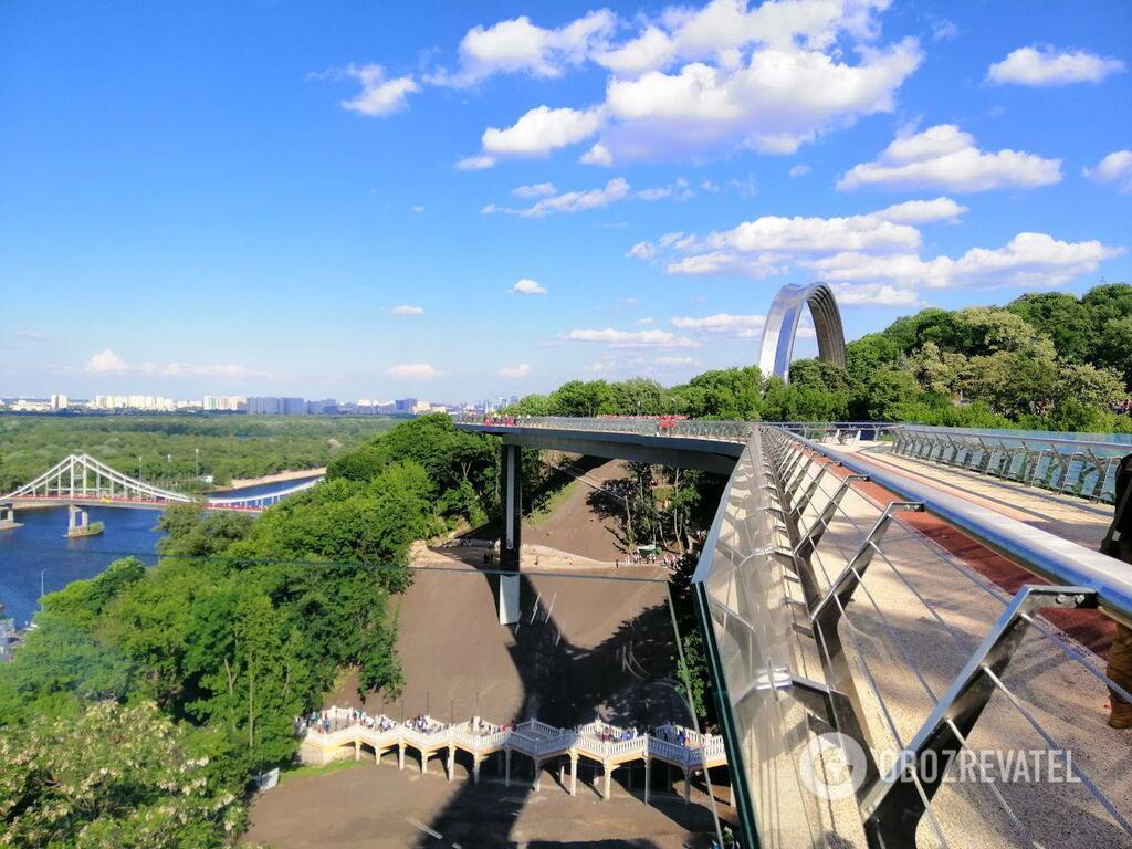 Міст над Володимирським узвозом
