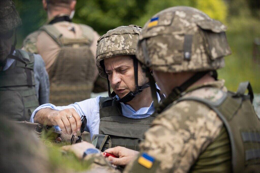 Зеленский посетил бойцов ВСУ на Донбассе