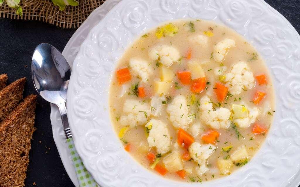 Суп з цвітною капустою