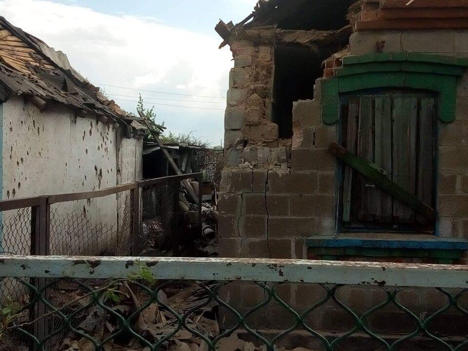 Обстріл терористами будинків на Донбасі