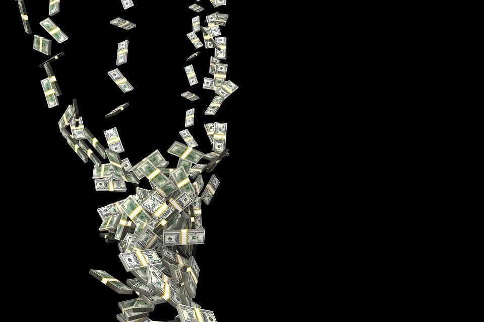 Долар в Україні різко подешевшав: аналітики озвучили новий курс