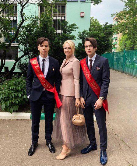 Яна Рудковская, Андрей и Николай Батурины