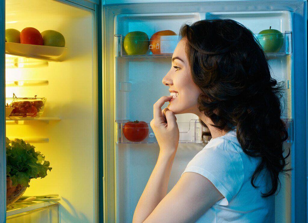 Названы закуски, которые можно есть перед сном без вреда для здоровья