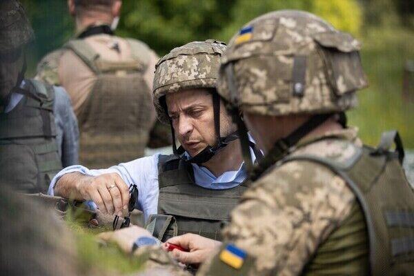 Президент Украины Владимир Зеленский на передовой