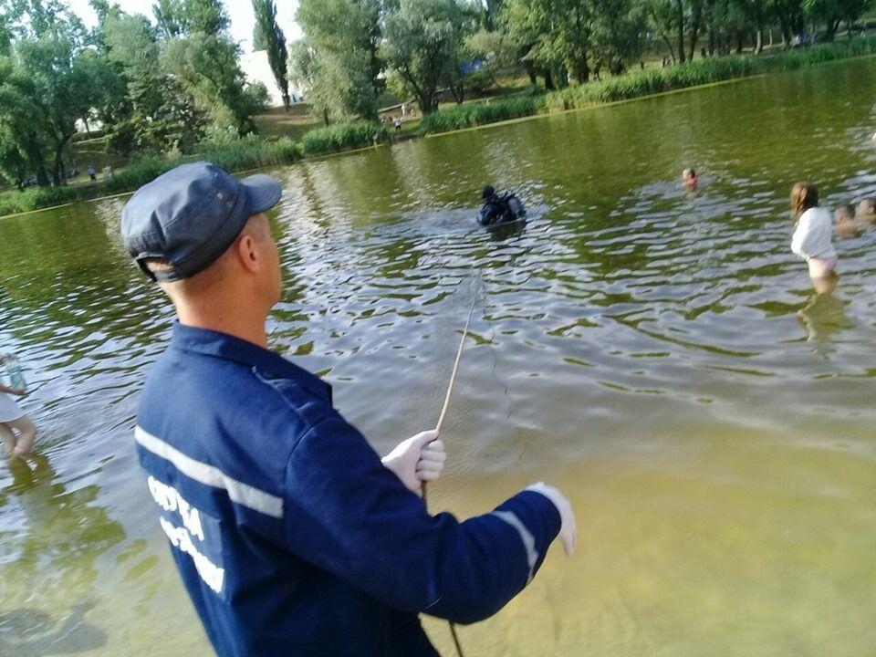 Чоловік потонув в озері