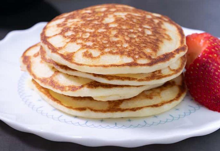 Banana Lover's Flourless Pancakes