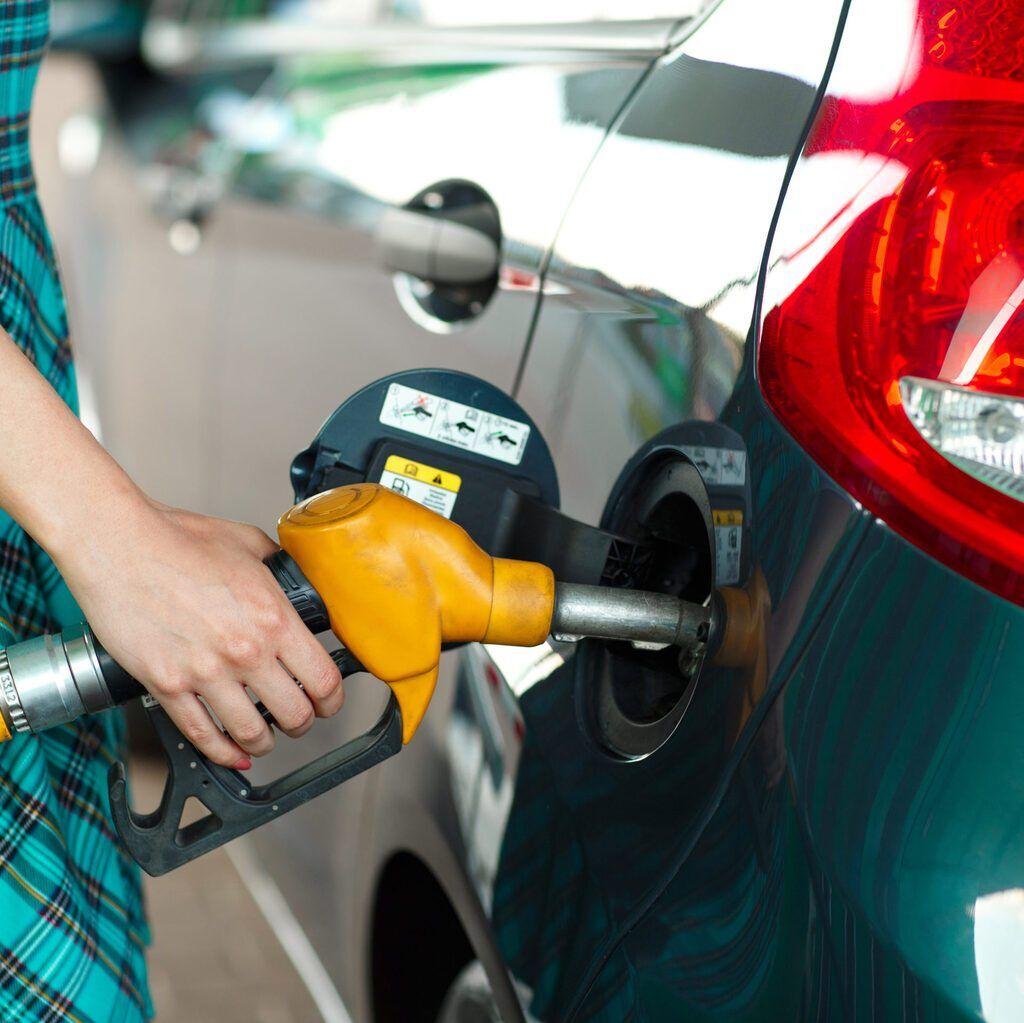 Подешевеет ли на бензин на заправках — вопрос открытый