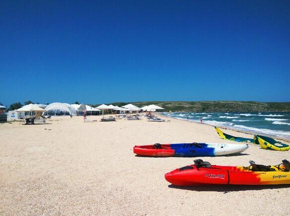 Пустые пляжи в Крыму