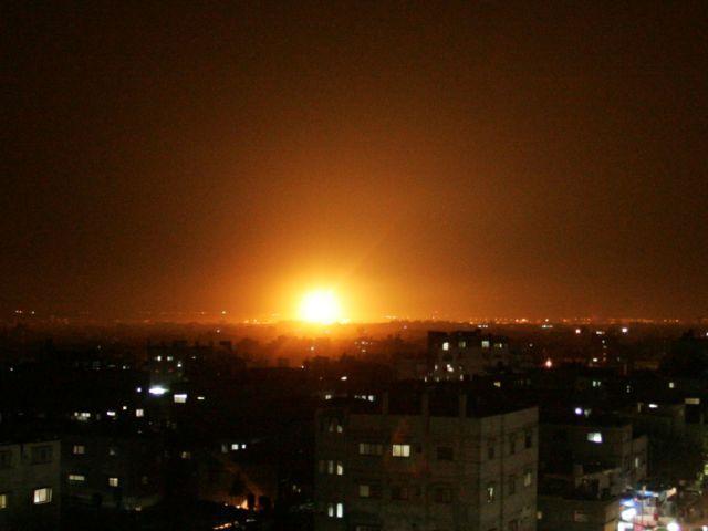 Израиль нанес мощный ответный удар по сектору Газа: фото и видео