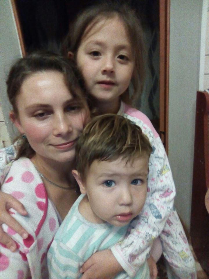Тимурчик с тетей и сестрой