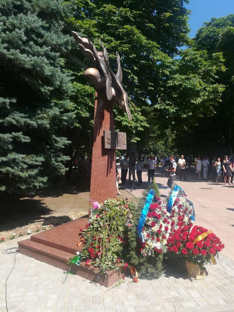 """Памятник российским репортерам в """"ЛНР"""""""